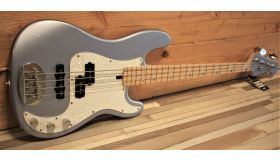 Lakland Skyline 44-64 Custom Ice Blue Metallic, maple fingerboard